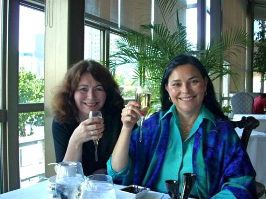 Catherine MacGregor and Diana Gabaldon (photo: Catherine-Ann MacPhee)